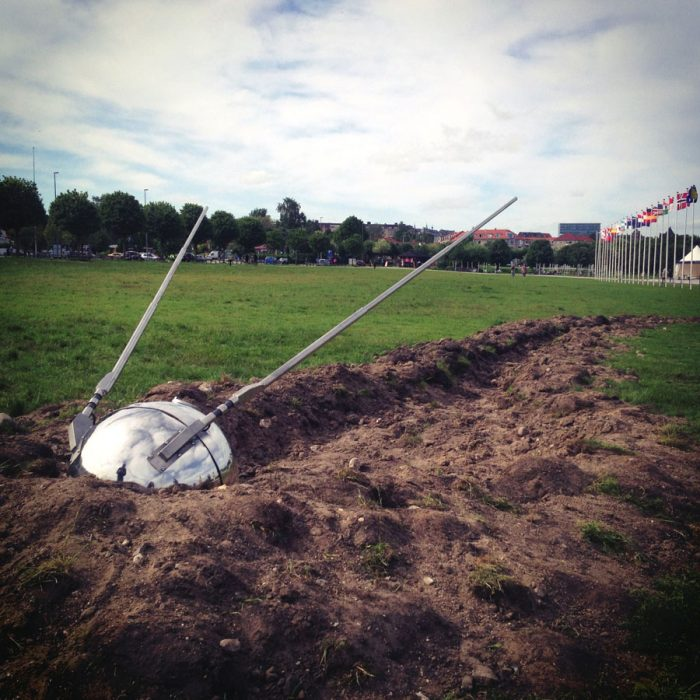 Image of sculpture Sputnik Returned.